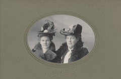 Stella and Kate Hines, from Hazel Porter's photo album.