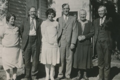 Clifton Porter and Una May Davey wedding portrait with parents, 24 Jun 1928, Portland, Multnomah County, Oregon.